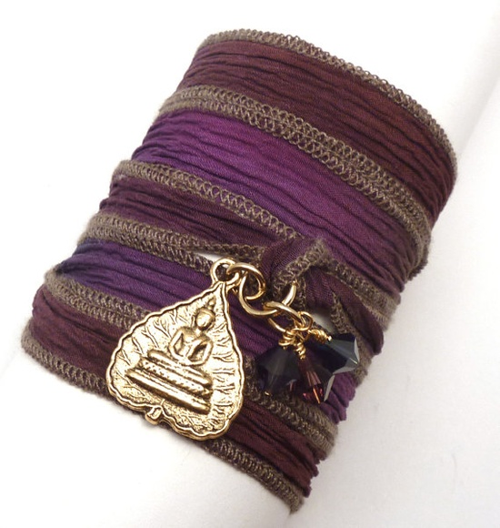Bracelet $33.00 #jewelry #handmade #silkribbon #brigteam