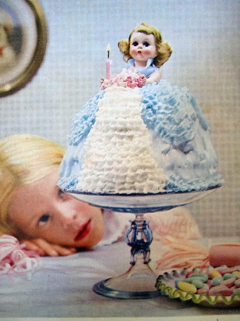 If this isn't the cutest vintage birthday doll cake ever, I don't know what is! :) #cute #cake #birthday #food #baking #decorated #kids #1950s #vintage #retro #fifties #doll