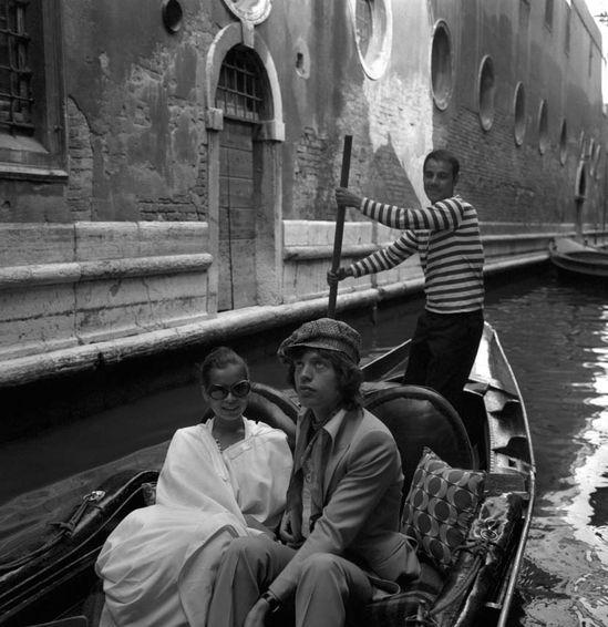Bianca Jagger, Mick Jagger, Venice #travel #70s #music #portrait #beauty #photography #b