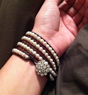 cute bracelet tutorial. leather & pearls.