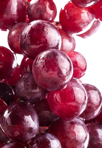 2 Reasons to Gobble Down Grapes. Check out the benefits and find some yummy recipes so you can start enjoying these healthy fruits