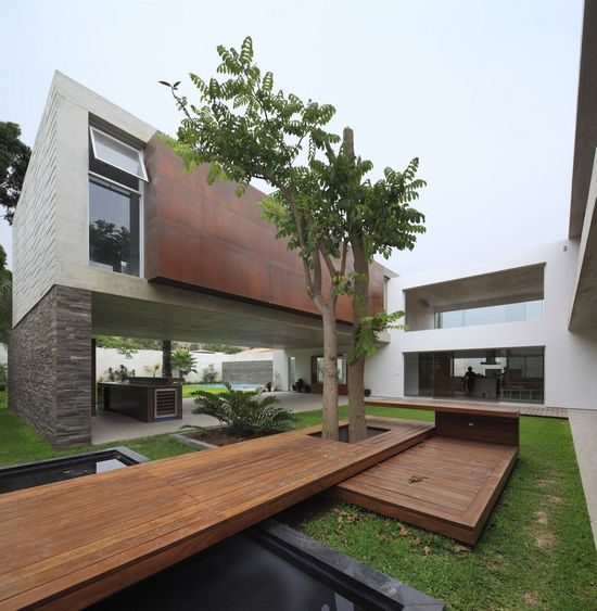 architecture Project La Planicie House Ii Opulent Residence Built Around a Central Courtyard in Peru: La Planicie House
