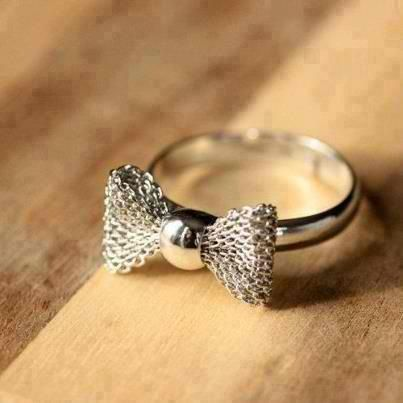 So cute!!! Maybe I should start wearing rings....