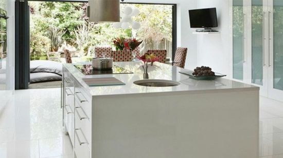 White and Pink Kitchen Design