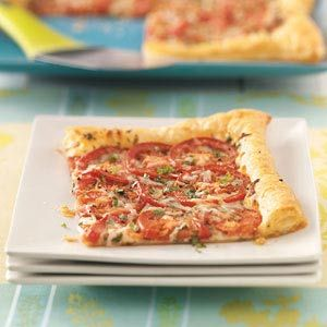 Tomato Tart with Three Cheeses - This quick and easy recipe will delight any pizza lovers in your home.