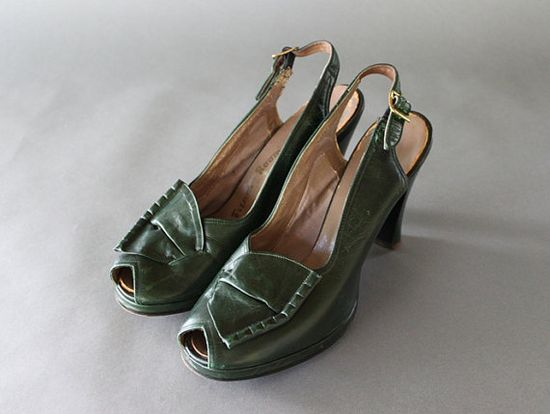 Vintage 1940s  French Room   Shoes