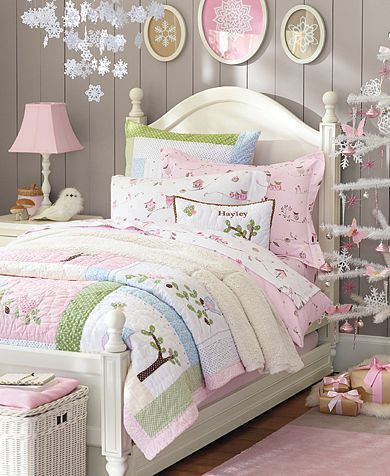 Girl's Winter Wonderland bedroom