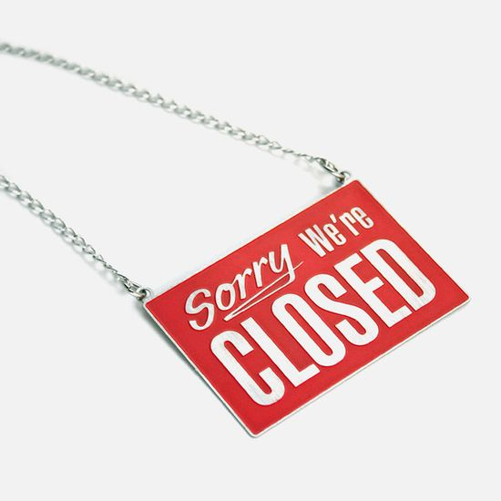 Open Closed Necklace Red