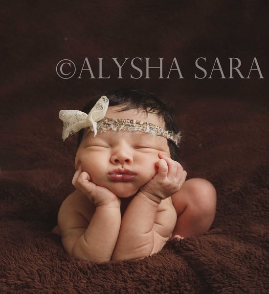 Frog pose, Newborn photography