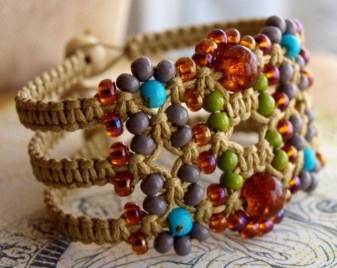beaded macrame bracelet  #handmade #jewelry #bracelet #DIY #craft #macrame #knot #knotting #bead #beading