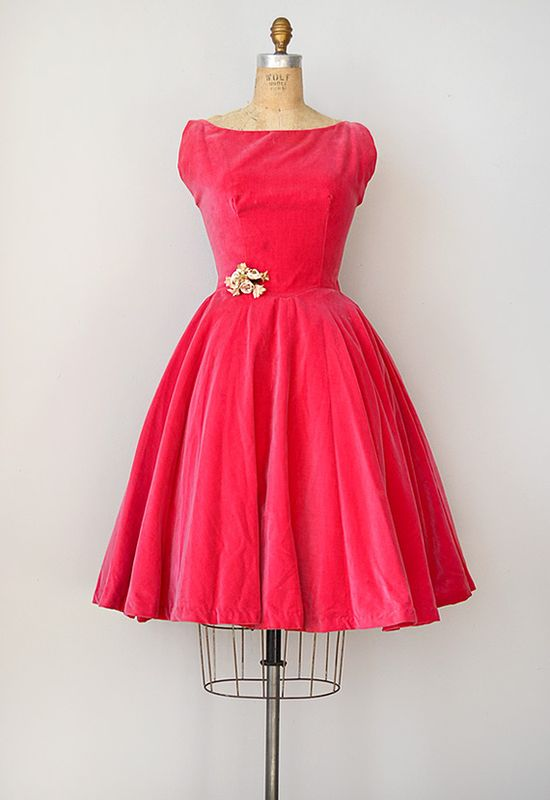 ~vintage 1950s pink velvet party dress~