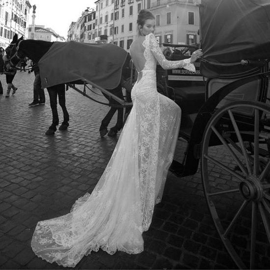 Super sexy backless wedding dress