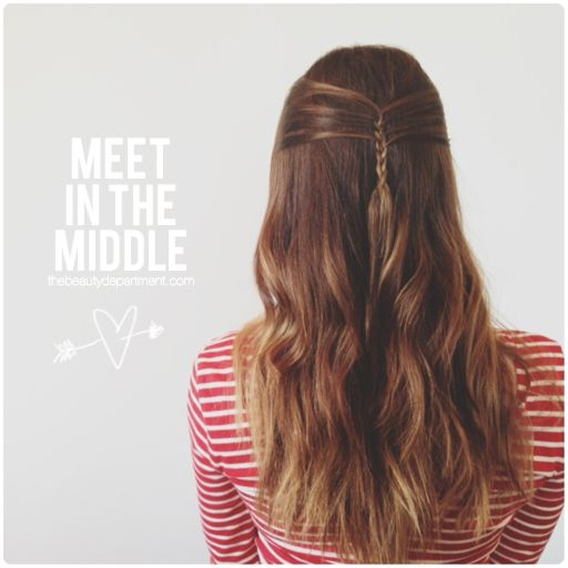 The Mini French Braid. If you know how to do a regular french braid, you can do this! Click through to see all the steps! xo
