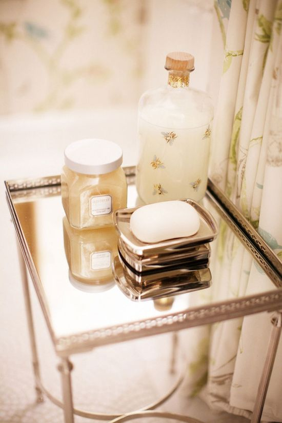 Place accessories in the bathroom. #decor #interior #design #bathroom #casadevalentina