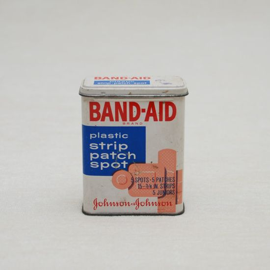 Vintage Band-Aid Tin. Frm bd: Vintage Products