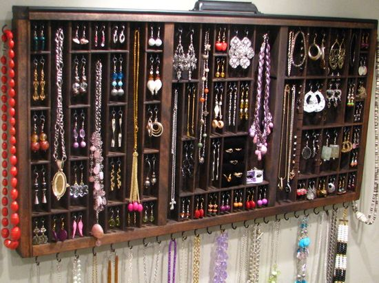 Drawer turned into a jewelry display: love this!