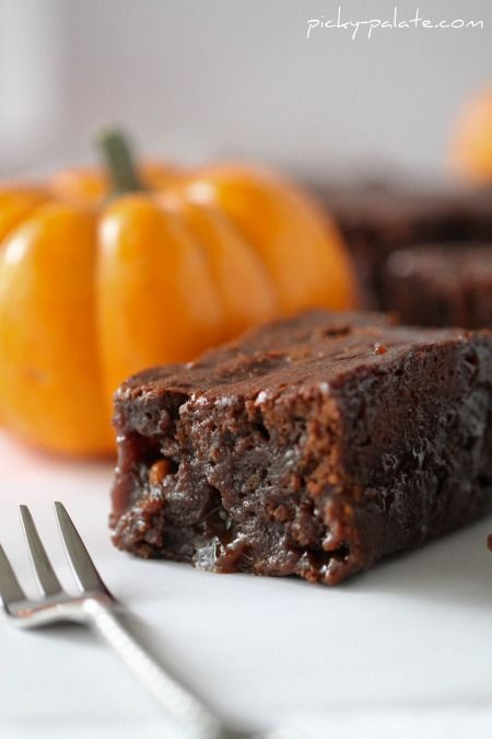 Awesome for all your fall dinner parties! Gooey Pumpkin Butterscotch Brownies. #baking #cooking #food #dessert #brownies #butterscotch #Halloween #pumpkin #fall #autumn