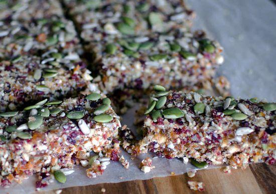 Quinoa, Obst + Nussriegeln