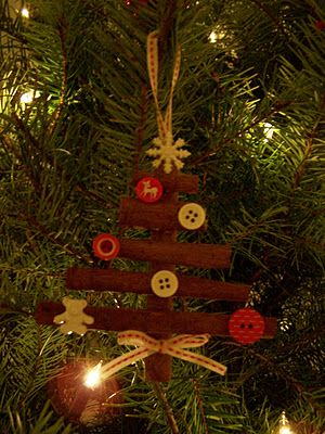 madebyjoey: homemade christmas tree ornaments...and a funny story
