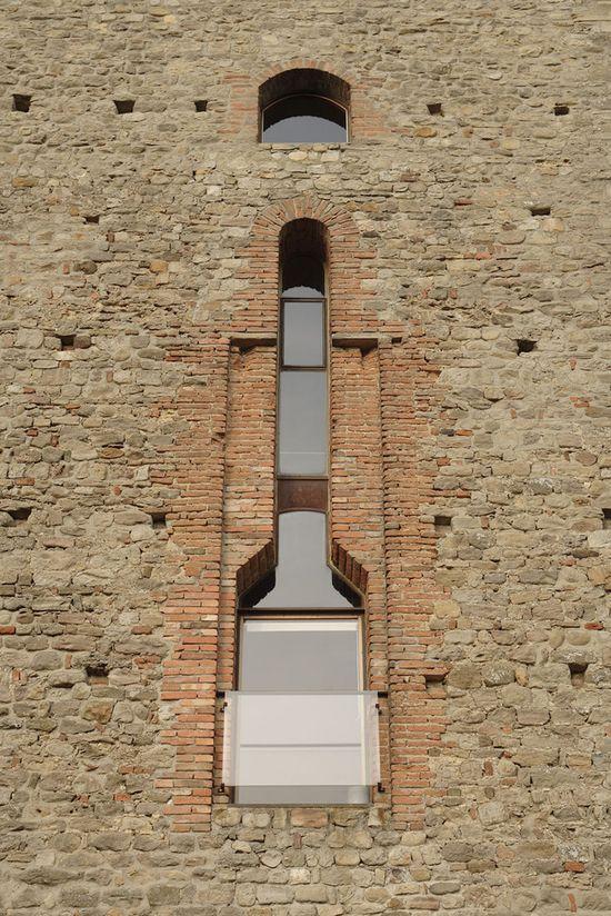 Masonry Detail: Casa torre  CORRADO SCAGLIARINI ARCHITETTO