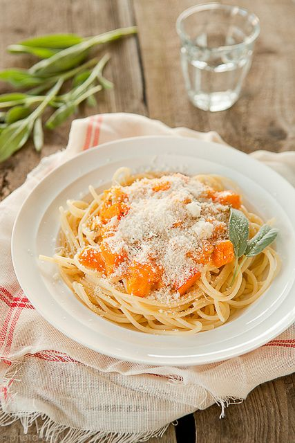 Two of autumn and winter's best flavours partnered in a simple, delicious noodle dish: Pumpkin and Sage Pasta. #pasta #pumpkin #sage #fall #autumn #food #dinner #winter