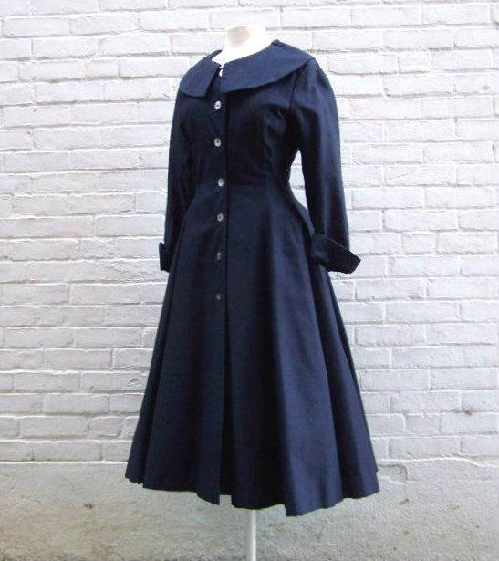 1950s Gunther Jaeckel Navy Blue Nipped Waist Dress. #vintage #1950s #fashion #dresses