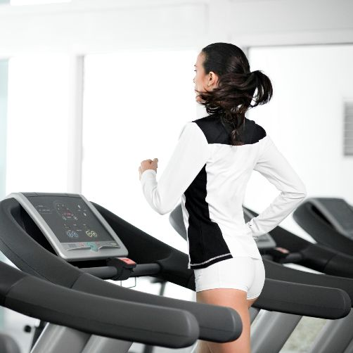 Torch almost 400 calories in 32 minutes: Run at speed 7 for one minute, walk on 15 incline speed 4 for 3 minutes. Repeat 8 times.