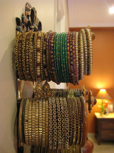organizing and displaying bangles