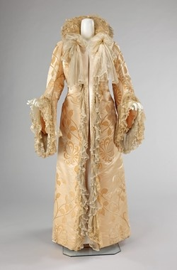 Jean-Philippe Worth (French, 1856–1926)  Object Name  Coat, Evening