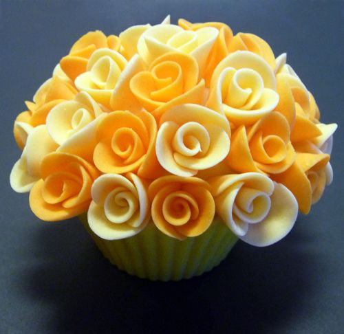 yellow flower cupcake
