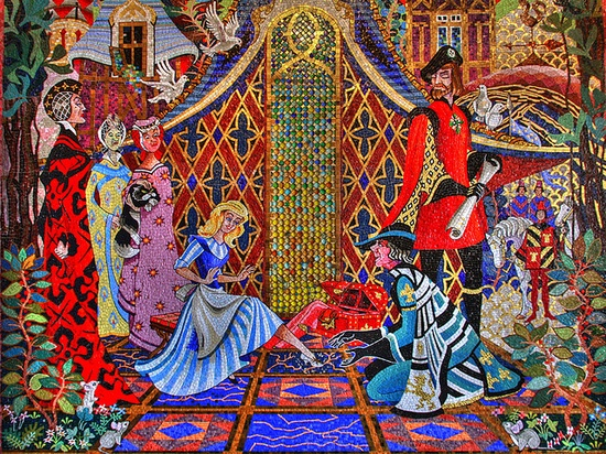 The mosaics in Cinderella's castle are beyond amazing!!!