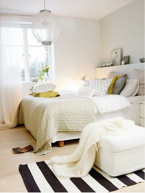 I like the idea of having crisp white colors in my apartment bedroom room right out of college APARTMENT/HOUSE