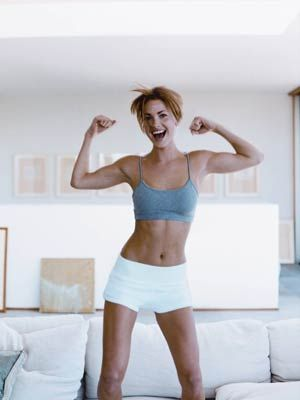 The 5-Minute Workout You Can Totally Make Time For: Do 20 reps of each of these moves 3xs a day. Push-Ups, Superman Lifts, Ab Pass, Side Plank Leg Lifts, Sumo Squats.    #SelfMagazine