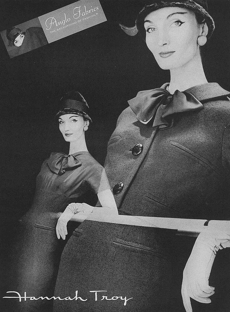 Such a smartly chic look. #vintage #fashion #1950s