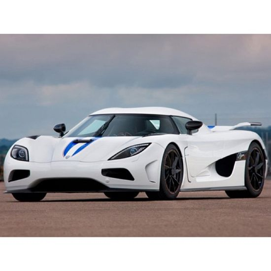 Just love this car so much. Koenigsegg Agera R