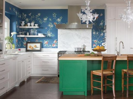 We love the way this emerald green island pairs with a bold floral wallpaper.