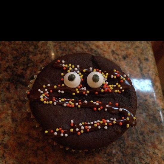? Mummy Cupcakes