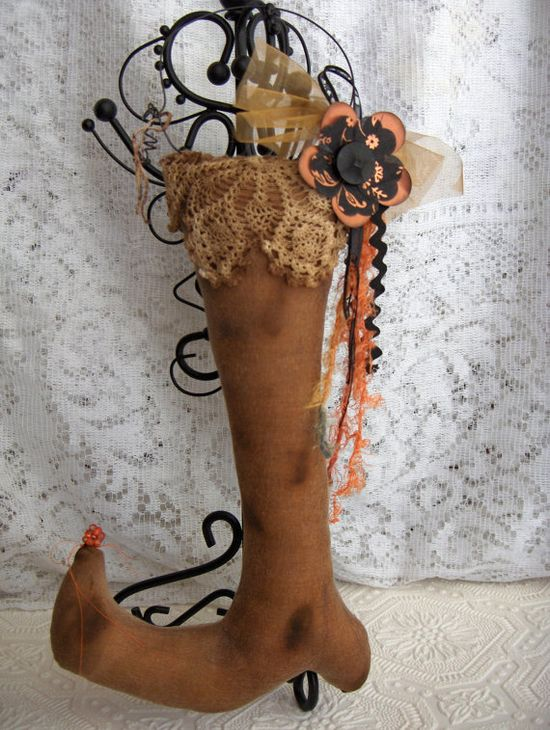 Primitive cute brown witch boot shoe hanger with shabby vintage style accents - cute for a Prim Halloween