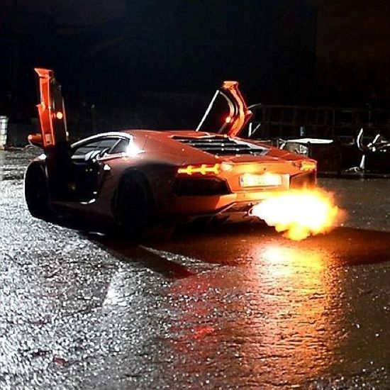 Flaming Exhausts Baby! Lamborghini Aventador