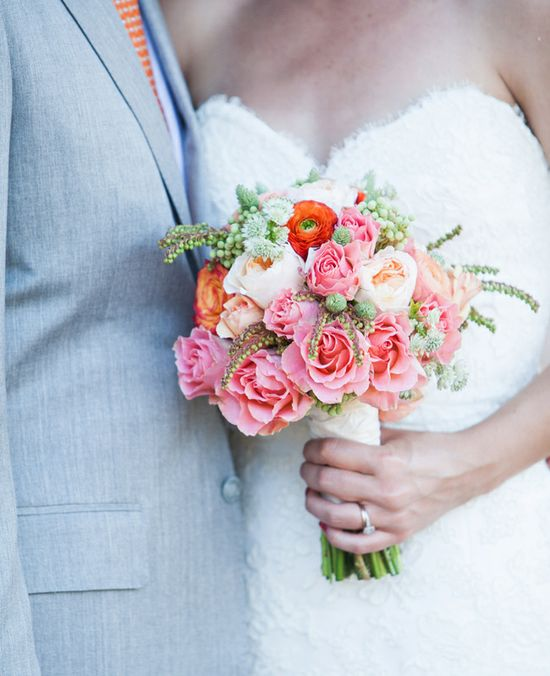 Soft, pink, white and red bouquet // Photography: ElleJae// Featured: The Knot Blog