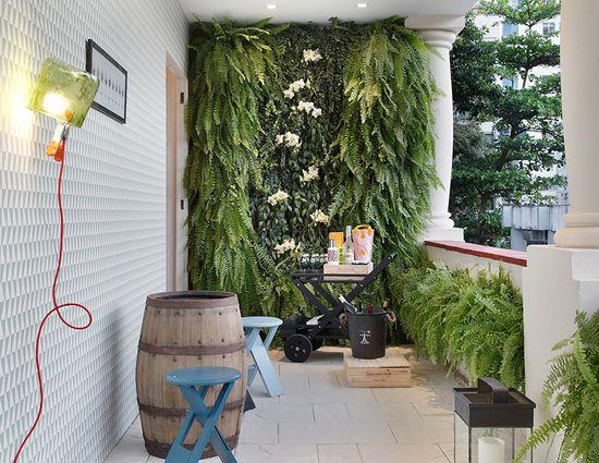 The charm of a vertical garden. #decor #interior #design #balcony #casadevalentina