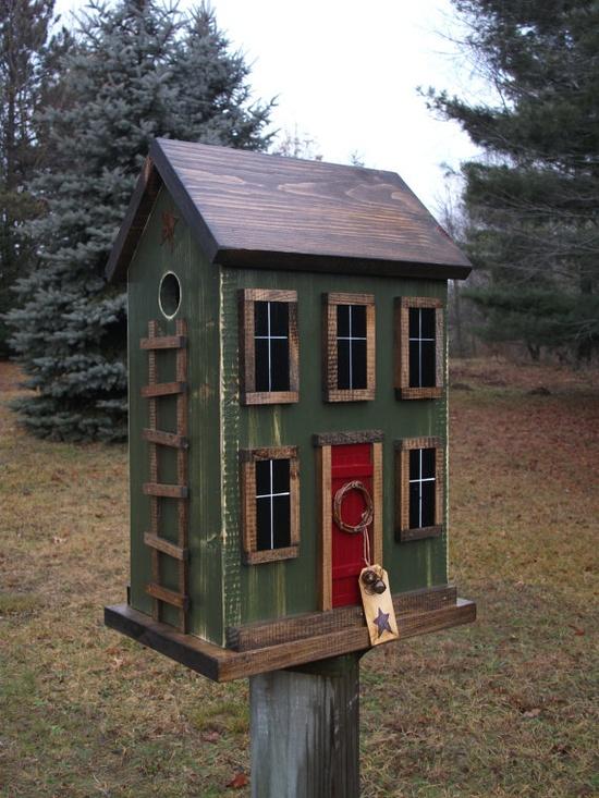 Saltbox Birdhouse...