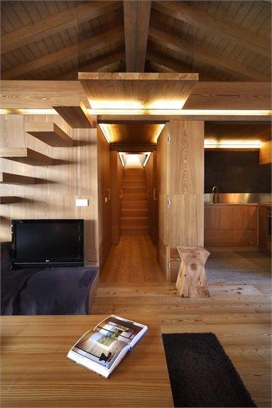 Interno Fraciscio - Architettura scolpita nel legno - Campodolcino, #Italy - 2010 - Gianluca Fanetti #stair #interiors #stair #design #architecture #lodge