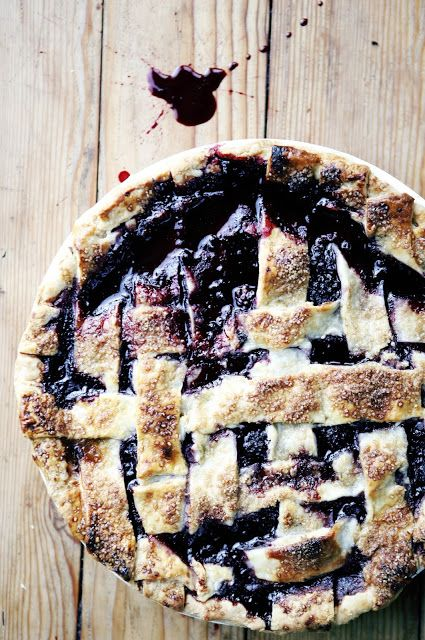 dash and bella blackberry pie