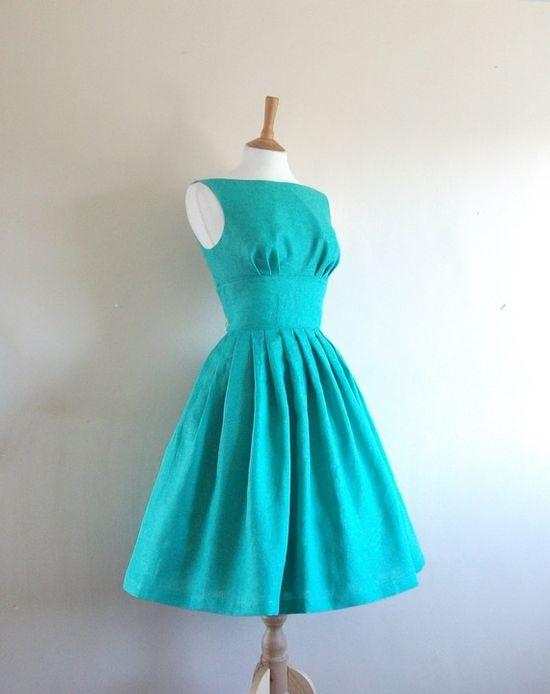 Love this retro 50s style dress!