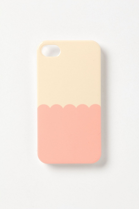 Scalloped iPhone 4 & 4S Case  SOO CUTE!