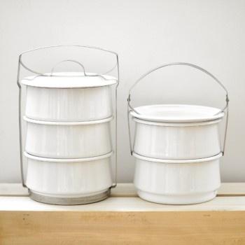 White enamel picnic container