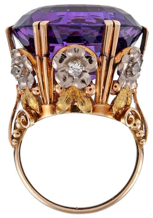 Victorian tri-gold amethyst diamond antique cocktail ring. A huge, deep purple amethyst set in a gold ring of diamond-centered flowers. Circa 1880.  #TuscanyAgriturismoGiratola