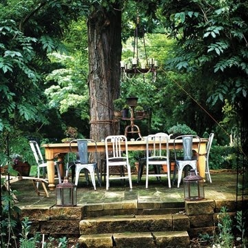 Love this woodland setting.