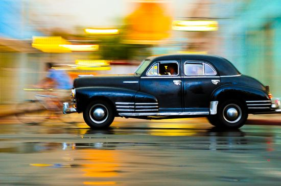 Cuban Time Travel -- simply AMAZING photo. Wow.